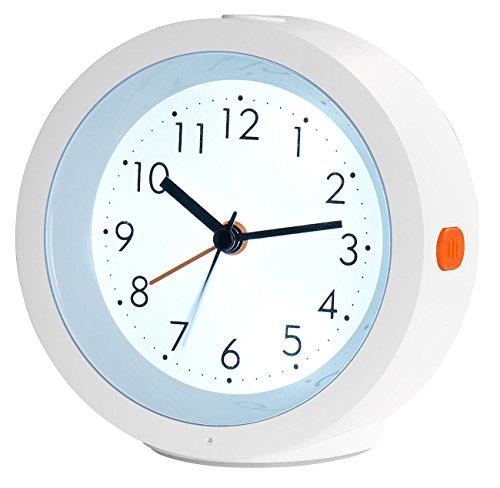 infactory Wecker analog lautlos: Analoger Quarz-Wecker, geräuschlos, Nachtlicht, Licht-Sensor, Akku (Wecker lautloses Uhrwerk)