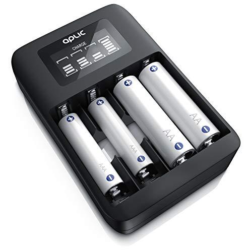 CSL - Universal Batterie Ladegerät Wiederaufladbar Akku Ladestation - Typ AA oder AAA NiMH - Mikroprozessorgesteuertes Laden - 4X Ladeschächte - Einfache Handhabung - LCD-Display - schwarz