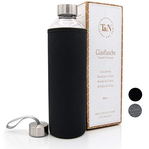 T & N glazen fles Classique 1 liter - neopreen hoes lekvrij - met gratis glas rietje om te testen - drinkfles waterfles glazen karaf waterkaraf - 100% BPA gratis met borstel