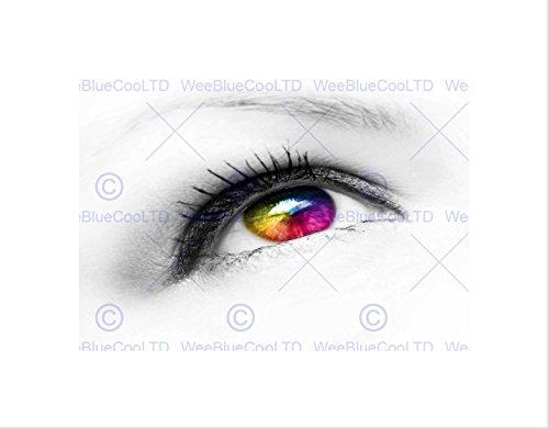 Wee Blue Coo Fotosammansättning ögonboll färgade kontaktlinser inramade konsttryck B12X8498