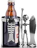 BRUBAKER Schraubenmännchen Angler mit Fisch - Flaschen- & Dosenhalter - Handarbeit Eisenfigur Metallmännchen Bierflaschenhalter - Metallfigur Geschenkidee für Angler