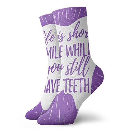 EU Lächeln, während Sie noch Zähne haben Zahnmedizin Zahnpflege Motivationszitat Zahnarzt Lustige Teen's bunt gemusterte Crew Socken