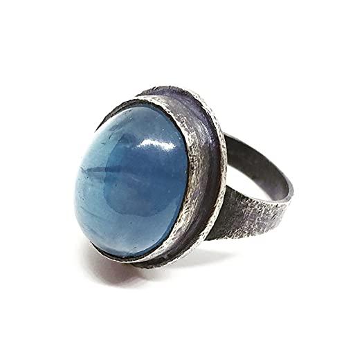 Precioso anillo en plata de ley oxidada con preciosa Aguamarina ovalada del Brasil de 12.62 quilates (15 mm x 12 mm). Anillo.