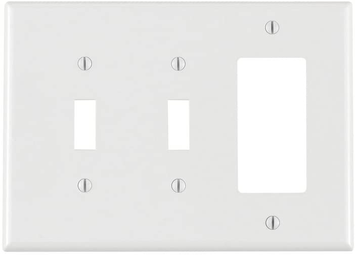 Leviton Pj226 W 3 Gang 2 Toggle 1 Decora Gfci Combination Wallplate Midway Size White Amazon Ca Tools Home Improvement