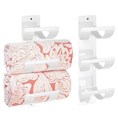 mDesign 2er-Set Handtuchhalter zur Wandmontage – Handtuchaufbewahrung mit drei Fächern – schicke Handtuchablage für Tücher aller Größen – weiß