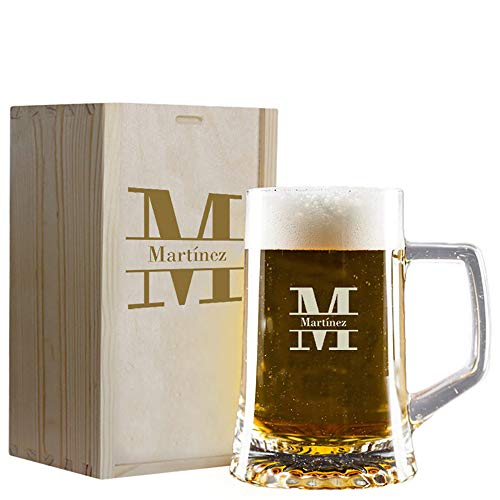 Jarra de Cerveza con Inicial grabada en Caja de Madera. Ideal para Regalar