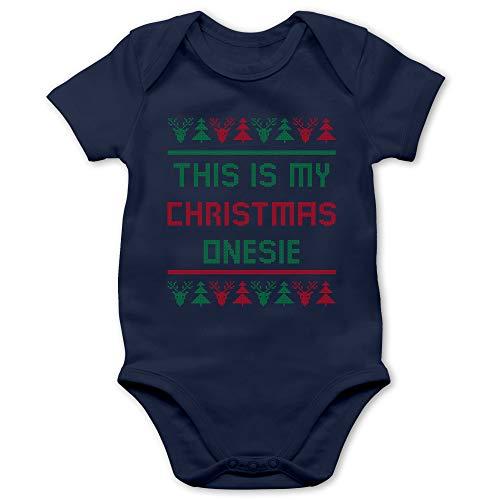 Shirtracer Strampler Motive - This is My Christmas Onesie - 12/18 Monate - Navy Blau - Norwegermuster - BZ10 - Baby Body Kurzarm für Jungen und Mädchen