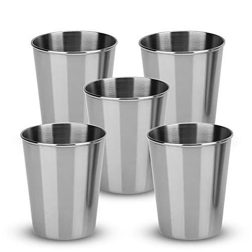 INTIRILIFE 5X Stapelbare Edelstahl Becher in 55 ml - Camping Outdoor Metall Becher Tasse Glas Widerverwendbar ohne Plastik für Kinder geeignet
