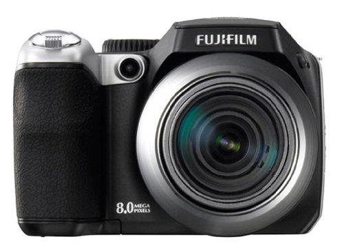 FujiFilm FinePix S8000fd Digitalkamera (8 Megapixel, 18-fach opt. Zoom, 2,5