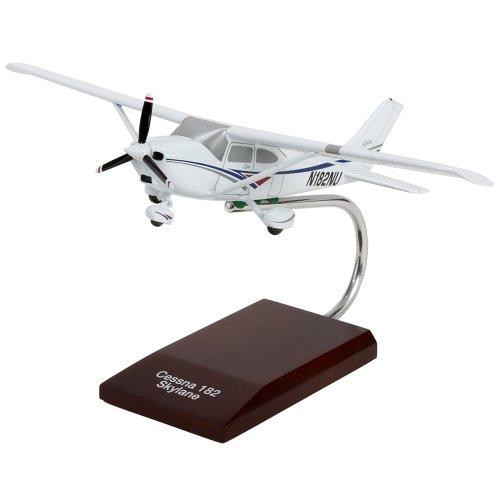 Cessna Model 182 Skylane - 1/32 scale model