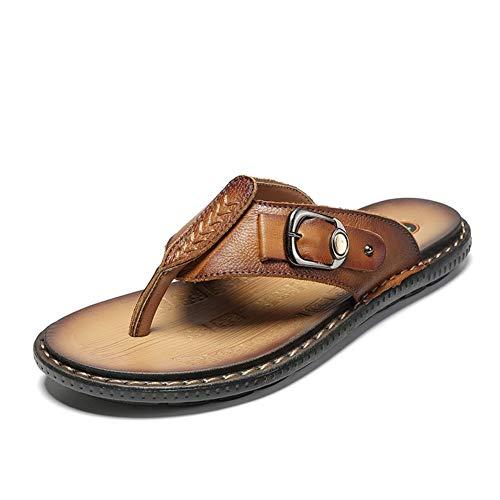 Flip Flops for Männer Thong Sandalen Sommer Strand Pantoffeln trocknen schnell Flach Anti-Rutsch-PU-Leder-Legierung Dekor Stitching Kreis Toe Männermode ( Farbe : Yellowish brown , Größe : 44 EU )