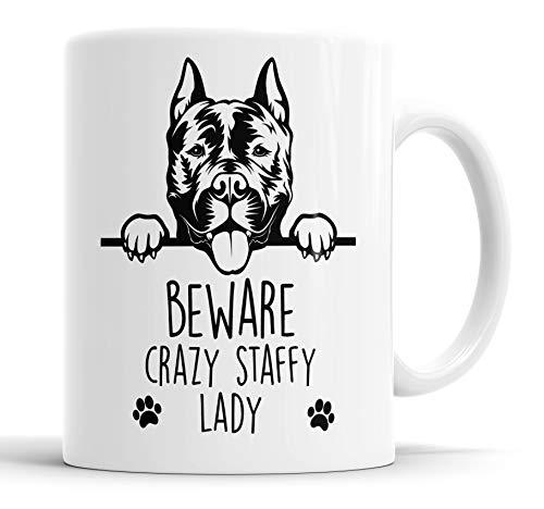 Faithful Prints Taza de cerámica Staffy Beware Crazy Staffy Lady con texto en inglés 'Staffordshire Bull Terrier', regalo divertido para cumpleaños, Navidad, taza de cerámica