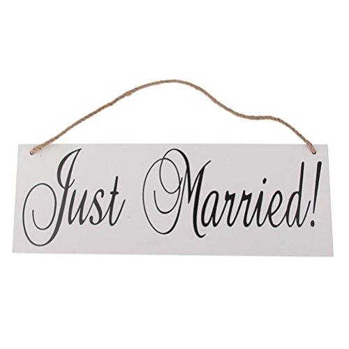 Ótima decoração de placas de madeira recém-casadas com corda de pendurar para noivado de casamento