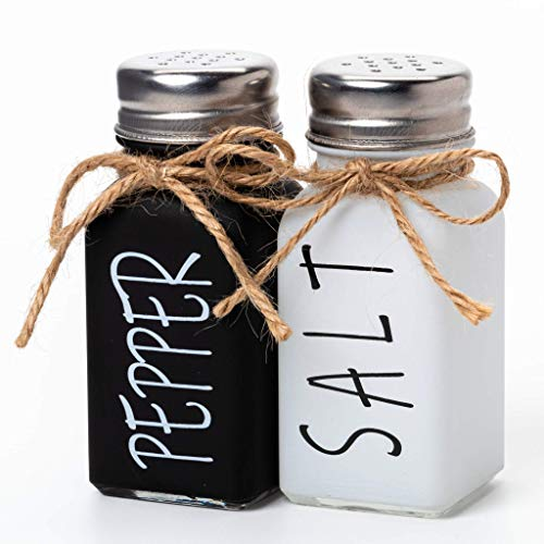 UrbanVillage Farmhouse Salt and Pepper Shakers Set - Cute Vintage Kitchen Counter Accessories - Mini Black White Shaker Seasoning Jars with Lids Rustic Decor for Dinnerware or Country Style Wedding
