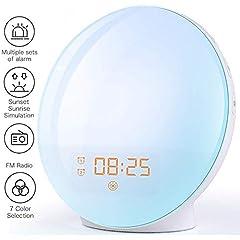 Wake Up Lumière Réveil lumière - Lever du soleil réveil simulation réveil avec deux alarmes, 20 luminosité, fonction de sommeil, 7 sons naturels et radio FM pour adultes & enfants (7 couleurs)