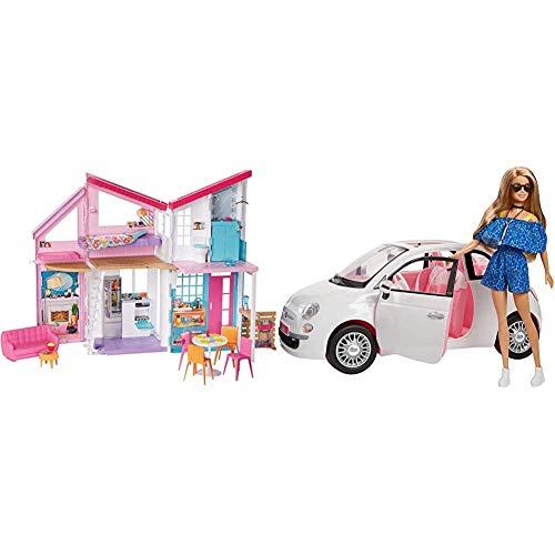 Barbie- La Nuova Casa di Malibu, Playset Richiudibile su Due Piani con Accessori, 61 cm, FXG57 FVR07 Bambola con Fiat 500, Macchina con Dettagli Realistici, Portiere Apribili