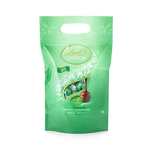 Lindt LINDOR Beutel Minze, Minze-Milch-Schokolade zartschmelzender Füllung, Geschenk, Großpackung (ca. 80 Kugeln), 1 kg