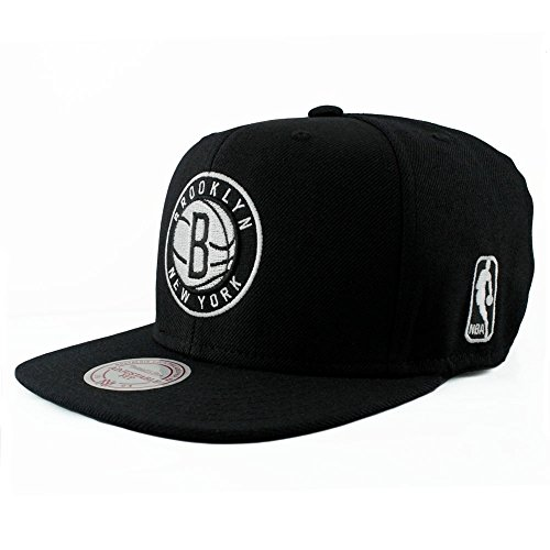 Mitchell & Ness NBA Flat Visor Snapback - Black & White - Brooklyn Nets, black