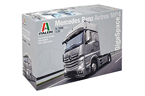 Italeri- 1:24 Mercedes Benz Actros MP4 Gigaspace. (3905)
