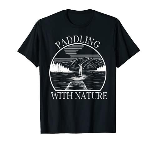 Stand Up Paddling con la tabla de surf en el lago. Camiseta