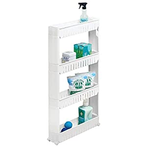mDesign Mueble auxiliar para lavadero – Compacta estantería con ruedas para guardar detergentes, quitamanchas, etc. – Práctico carro de lavandería de plástico con cuatro amplios estantes – blanco