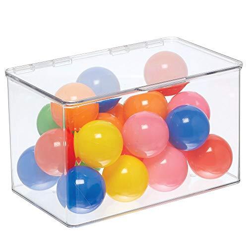 mDesign Spielzeugaufbewahrung – Aufbewahrungsbox mit Deckel zum Spielsachen verstauen im Regal oder unter dem Bett – transparent