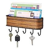 mDesign Colgador de llaves con estante para uso variado - organizador de llaves en acero inoxidable mate con detalles en...
