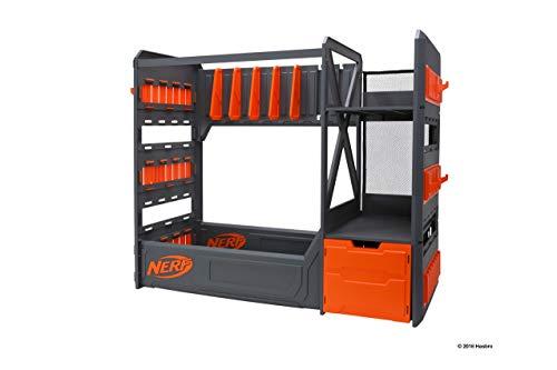 Scaffale di alta qualità e pratico. Conserva i tuoi blaster e accessori ordinati in un unico posto! Spazio per fino a 6 blaster + accessori. Da 8 anni in su.