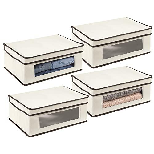 mDesign Juego de 4 cajas de almacenamiento – Organizador apilable grande y de fibra sintética con tapa y ventana de visualización – Cajas para ropa rectangulares para el dormitorio – crema y marrón