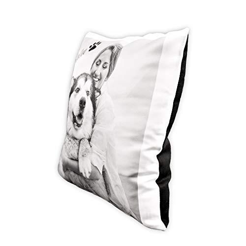 Isonio kussen bedrukt met eigen foto en tekst - fotokussen 40x40 zelf vormgeven (achterkant zwart, getextureerd oppervlak)
