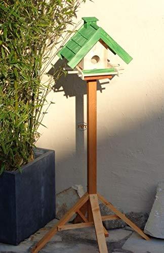 Vogelhaus mit Ständer BTV-X-VOWA3-MS-gras001 Schönes PREMIUM Vogelhaus mit Ständer KLASSIK-PREMIUM Vogelhaus 1,5 L Silo+ SICHTSCHEIBE RUND / GLAS, FUTTERVORRAT-SILO - VOGELFUTTERHAUS , wetterfestes Vogelfutterhaus MIT FUTTERSCHACHT-Futtersilo Futterstation Farbe grasgrün grün PURE GREEN kräftig tannengrün/natur, MIT TIEFEM WETTERSCHUTZ-DACH für trockenes Futter, mit Futterschacht zum Nachfüllen oben, 100% Massivholz, QUALITÄTSPRODUKT vom Schreiner