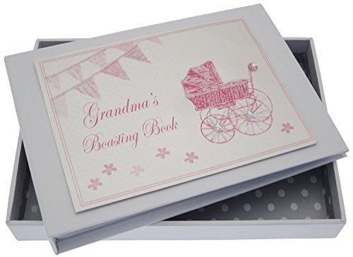 White Cotton Cards Inscription Grandma's Boasting Book Album (Rose Landau et fanions)
