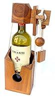 Ein besonderes Geschenk: Flaschenhalter Denkspiel!!! Schwierigkeit: SCHWIERIG 3/6 Um die Flasche zu befreien, muss man das schlaue Rätselschloss öffnen, das sie sperrt Die Länge der Schnur kann je nach Flaschentyp (Sekt-, Wein-, Bierflasche...) verän...