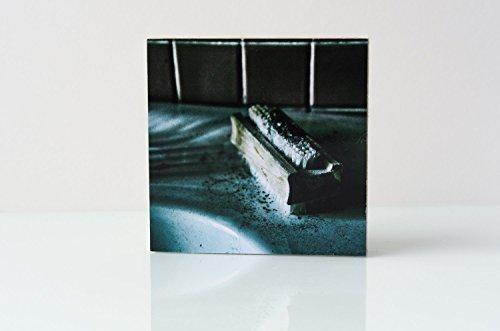 Lost Place Waschbecken Seife Foto auf Holz, im Quadrat, 10 x 10 cm