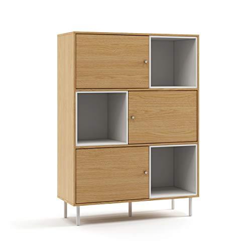 Mc Haus KUMA - Estanteria Madera Natural y Blanco, Librería de pared Salón Comedor Dormitorio de diseño Nórdico con 3 estantes para almacenaje y 3 puertas 100x40x135cm