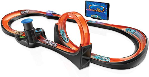 Hot Wheels id Smart Track Starter Kit with 3 Exclusive Cars, Track Pieces and Hot Wheels Race Portal for Physical & Digital Play, Gift for Kids Ages 8 Years Old & Up