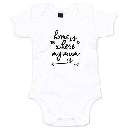 shirtdepartment Baby Body | Strampler | Newborn | Mädchen | Junge | Geschenk - Farbe: Weiß-schwarz - Home is where my mum is | 62-68