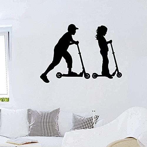 Adhesivo de pared de vinilo removible para niño y niña, scooter, sala de niños, mesa deportiva, 57x43cm