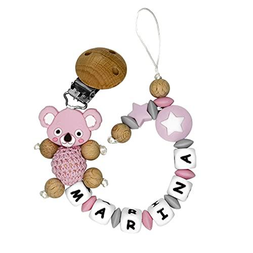 RUBY - Chupetero Personalizado Para Bebe Cadena Chupete con Nombre Bola Silicona Antibacteriana con Pinza de Madera, Chupetero de Koala de Crochet (Rosa pastel)