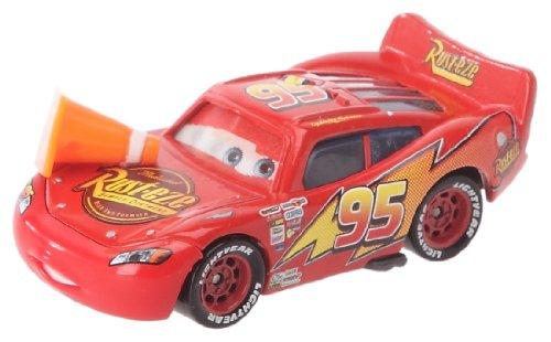 Cars T0739 - Figura en Miniatura de Rayo Mcqueen con Cono