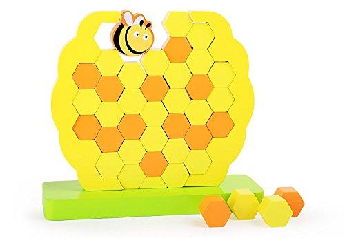 Jeu de motricité & tour infernale à la fois : il faut retirer les alvéoles en bois de la ruche sans faire tomber l'abeille