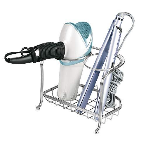 mDesign Soporte para secador de pelo o rizador – Soporte para plancha de pelo, secador, cepillos y otros productos de peluquería – Cesta de rejilla de metal para el baño – plateado