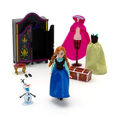 Disney, Die Eiskönigin - völlig unverfroren - Garderoben-Spielset ; Set enthält Anna-Puppe, 2 Kleider, eine Olaf-Figur sowie Schrank, Hocker und Schneiderpuppe.