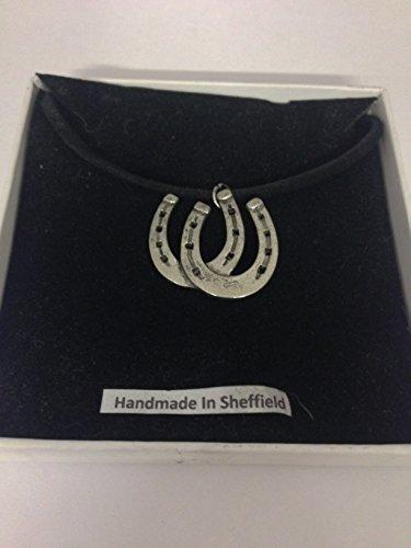 Hufeisen PP-E18 Pferd & Reiter Englisches Zinn an schwarzer Kordel-Halskette, handgefertigt, 41 cm
