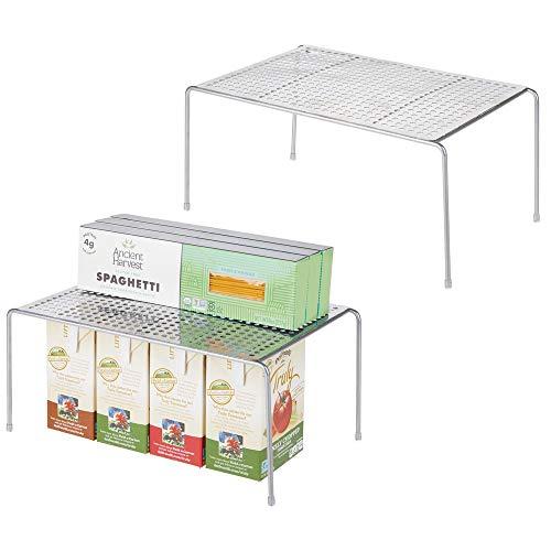 mDesign Juego de 2 estantes de cocina - Soportes para platos individuales de metal - Pequeños organizadores de armarios para tazas, platos, alimentos, etc. - plateado