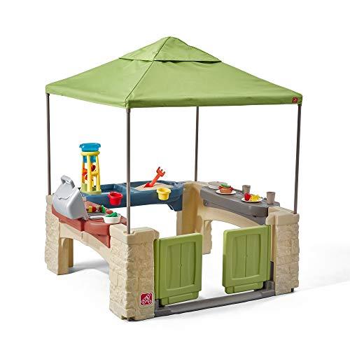 Step2 All Around Speelpatio Spielhaus | Kunststoff Patio für Kinder mit Küche & Zubehör | Inklusive Sand und Wasserspieltisch