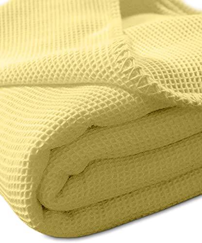 Kneer Waffelpique-Decke Wohndecke Sommerdecke la Diva , Farbe:04 Mais;Größe:220x240 cm