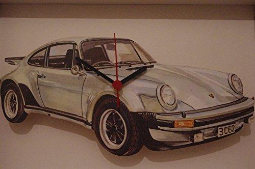 Porsche 911aus Alice im Wunderland handgefertigt Holz Uhr hergestellt in der UK
