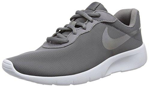 Nike Nike Tanjun (gs), Boy's Gymnastics Shoes, Grey (Gunsmoke/Gunsmoke/White 004), 4.5 UK (37.5 EU)