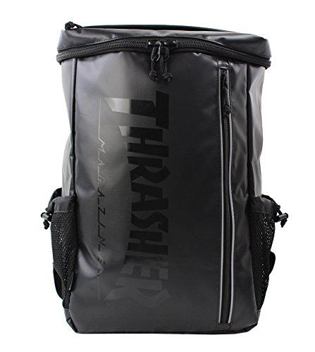 スラッシャー バッグ リュック THRTP505 バックパック BOX型デザイン サイドメッシュポケット付き デイバッグ リュックサック THRASHER 男女兼用 (1:THRTP505-BK×ブラック文字)